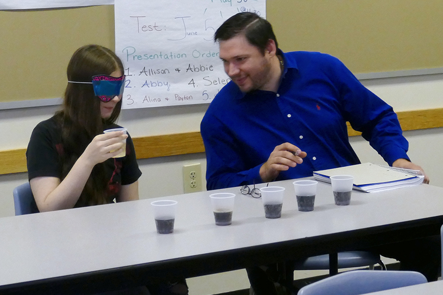 BAMM & IT students participate in a soda taste-test experiment.